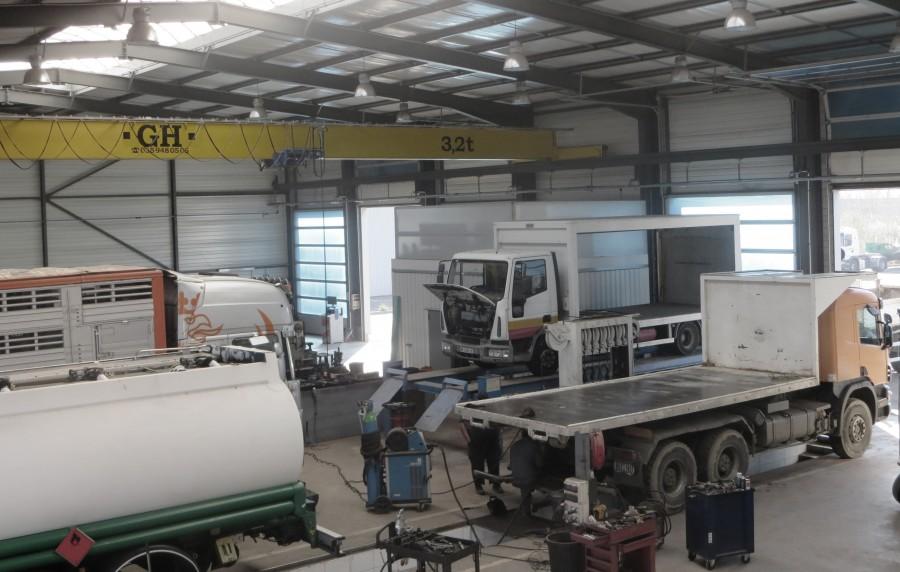 Entretien et r paration poids lourds et v hicules utilitaires for Garage poids lourds angers